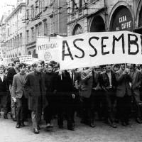 Manifestazione di studenti per il diritto di assemblea, Modena 1968, Archivio Istituto storico di Modena