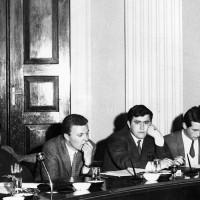 Studenti universitari durante il dibattito sui problemi della scuola e riforma universitaria, aprile 1968, Archivio Ufficio stampa del Comune di Modena, Fondazione fotografia - Fondazione Modena Arti Visive