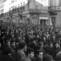 Manifestazione studentesca in viale Repubblica. Parma, 21 novembre 1968. Archivio storico comunale di Parma.
