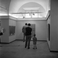 Mostra di Mauro Reggiani presso la Sala della cultura, 28 maggio 1967, Archivio Botti e Pincelli, Fondazione fotografia - Fondazione Modena Arti Visive