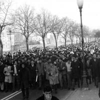 Manifestazione studentesca in viale Mariotti. Parma, 21 novembre 1968. Archivio storico comunale di Parma.