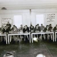 Seduta del Consiglio comunale nella fabbrica Salamini occupata dai lavoratori. Parma, 17 marzo 1969. Archivio storico comunale di Parma.