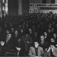 Assemblea operai Arrigoni (Foto storiche F.  Kobau e  L. Taioli)