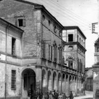 Istituto Comandini, sede storica di Palazzo Guido