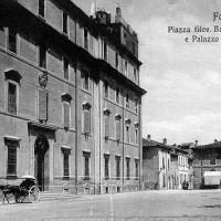 Palazzo degli studi in piazza Morgagni, Cartoline Piancastelli, Bibl. comunale di Forlì.