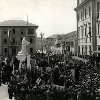 Inaugurazione monumento Morgagni, 1931. Archivio fotografico Comune di Forlì, Bilb. comunale.