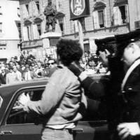 I carabinieri sgomberano un sit-in degli studenti universitari. Parma, 24 aprile 1968. Archivio storico comunale di Parma.