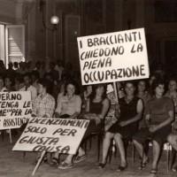 Salone Comunale, Manifestazione dei braccianti, 1971 (Archivio Minisci)