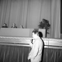 Dibattito sulla Resistenza presso il Teatro comunale, 22 aprile 1969, Archivio Botti e Pincelli, Fondazione fotografia - Fondazione Modena Arti Visive