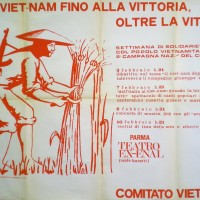 """Manifesto per iniziative di solidarietà col popolo vietnamita tenute al """"teatro ex-Enal"""". Parma, 1973. Archivio Centro studi movimenti."""