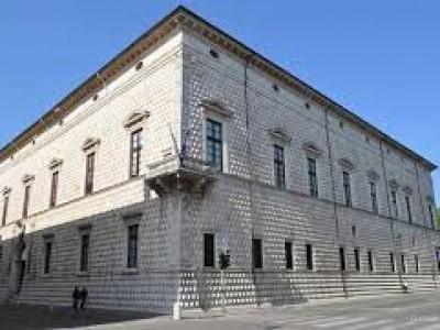 Ferrara, Palazzo dei Diamanti Corso Ercole I d'Este, 21